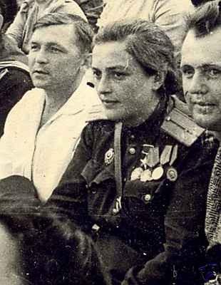 Lyudmila-Pavlichenko-russian-female-sniper in US