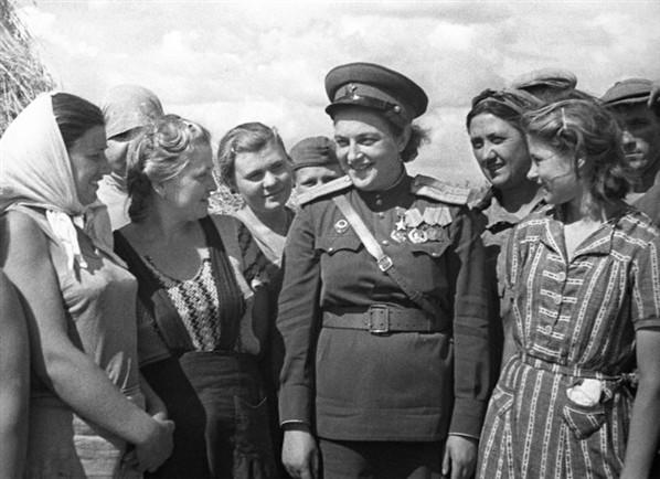lyudmila-pavlichenko-russian-female-sniper-wwii-her